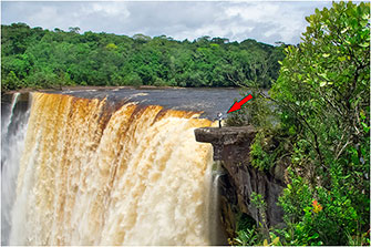 Closeup of Kaiteur Falls, Guyana, 2014 by Dr. Wayne Lynch ©